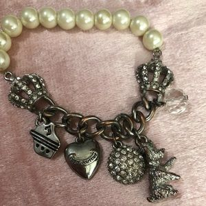 💖Juicy Couture pearl and charm bracelet